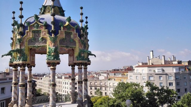 Templete-mirador del edificio modernista 'La Rotonda' de Barcelona