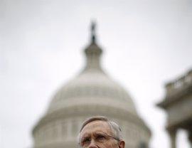"""Harry Reid afirma que el director del FBI """"podría haber incumplido la ley"""" con la investigación contra Clinton"""