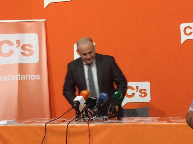 Julio Díaz en rueda de prensa