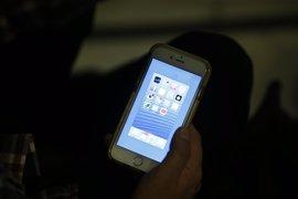 El teléfono Infància Respon reforzará la atención ante 'bullying' y abusos con una 'app'