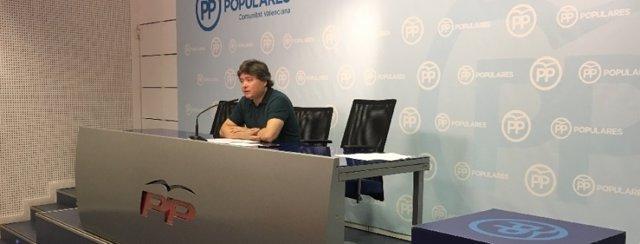 Luis Santamaría en rueda de prensa