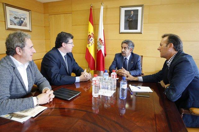 El presidente con representantes de la federación