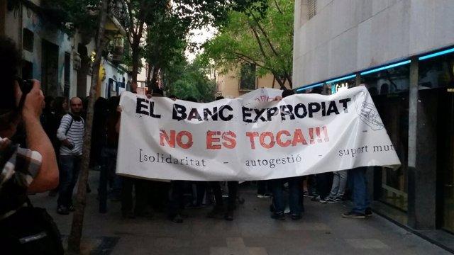 Manifestación contra el desalojo de Banc Expropiat