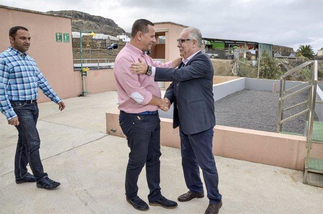 El alcalde de Moya, satisfecho por la depuradora que beneficiará a 500 viviendas