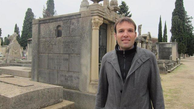 Pablo Muñoz en el cementerio de Torrero de Zaragoza