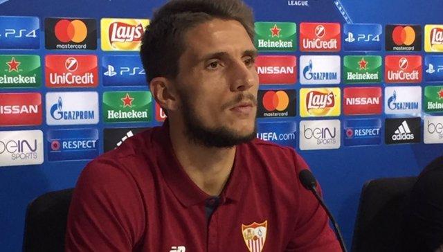 Daniel Carriço, jugador del Sevilla, en rueda de prensa de la Liga de Campeones