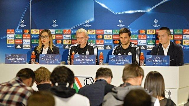 Jacek Magiera en rueda de prensa