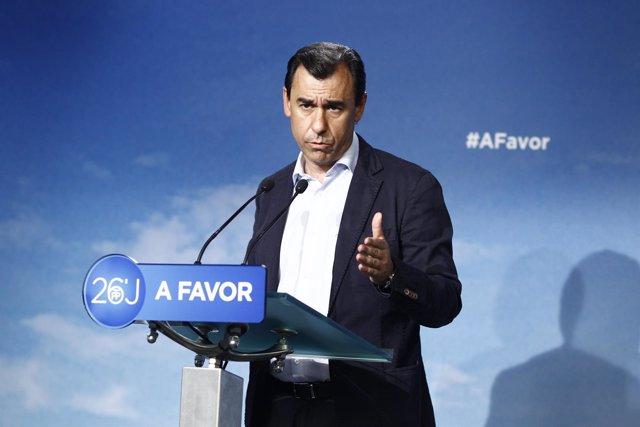 Fernando Martínez Maillo en rueda de prensa en la sede del PP