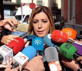 """Susana Díaz quiere un PSOE """"autónomo"""" de PP y Podemos y no """"proyectos personalistas"""""""