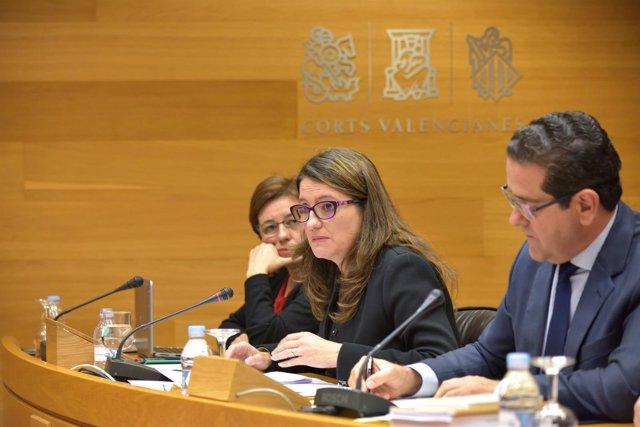 Oltra en la Comisión de las Corts para explicar presupuestos de su Conselleria