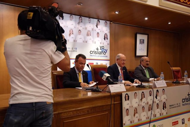 El secretario general de Cáritas Europa, Jorge Nuño, en el CEU