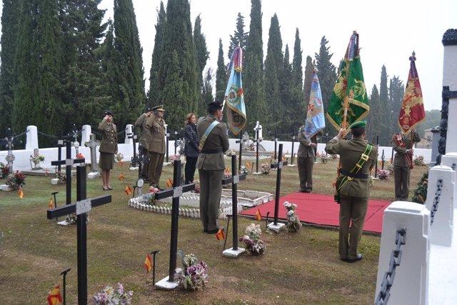 El Ejército de Tierra homenajea a los caídos por España en Cementerio de Torrero