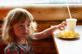 Los niños consumen demasiada sal, ¿cuáles son los riesgos?