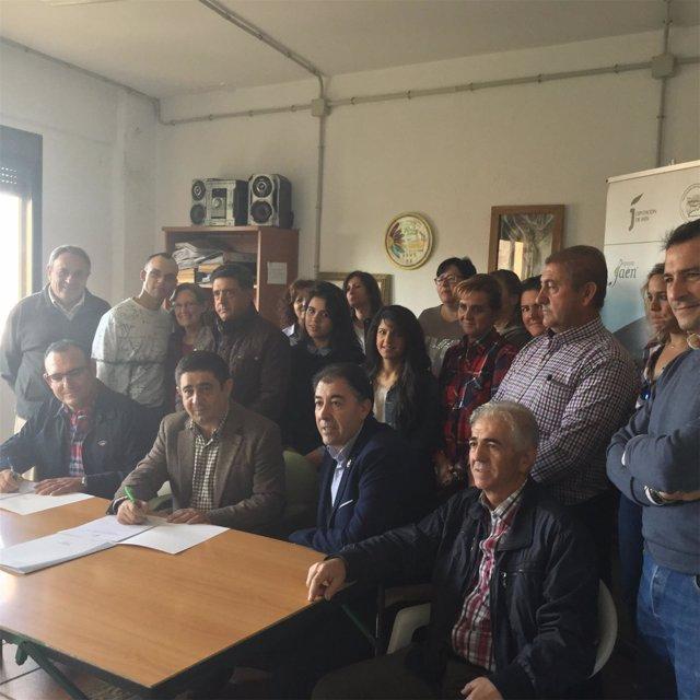 Firma del convenio entre Appistaco y la Diputación de Jaén
