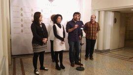 Los socios de Podemos en el Senado respaldan a Espinar tras el asunto de su piso protegido