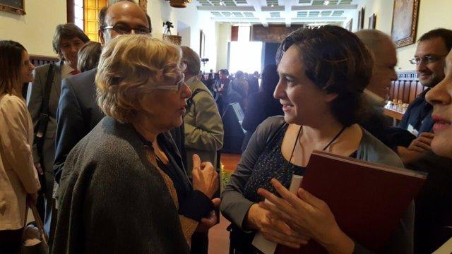Las alcaldesas de Madrid, Manuela Carmena, y Barcelona, Ada Colau