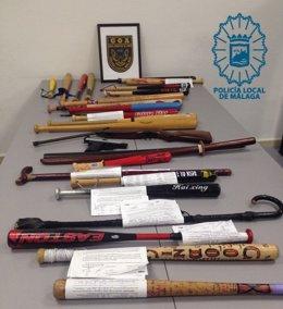 Armas y utensilios requisados por la Policía Local en Halloween.