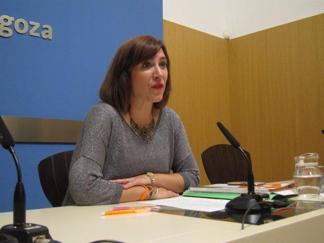 La portavoz de C's, Sara Fernández, en rueda de prensa en el Ayuntamiento