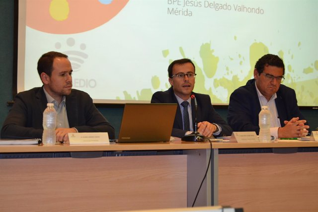 Miguel Ángel Gallardo en la junta de Promedio en Mérida