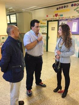 Marta Escrivá durante la visita al centro educativo