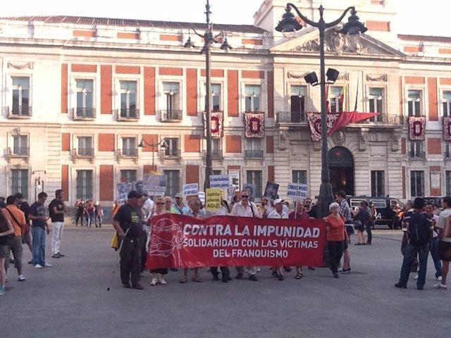 Manifestación Por La Memoria Y Contra La Impunidad Del Franquismo