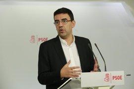 """El PSOE cree que Rajoy le muestra a Cospedal """"la puerta de salida del PP"""" y la compensa nombrando a Zoido"""