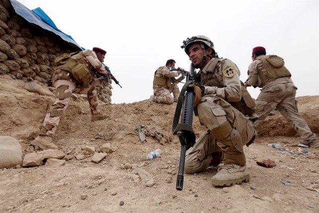 Militares iraquíes que participan en la ofensiva contra Estado Islámico
