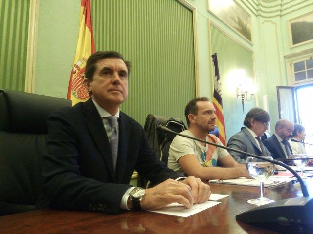 Matas en Comisión sobre autopistas de Ibiza