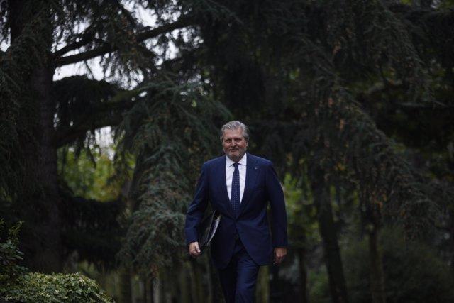 El ministro Iñigo Méndez de Vigo a su llegada a la Moncloa