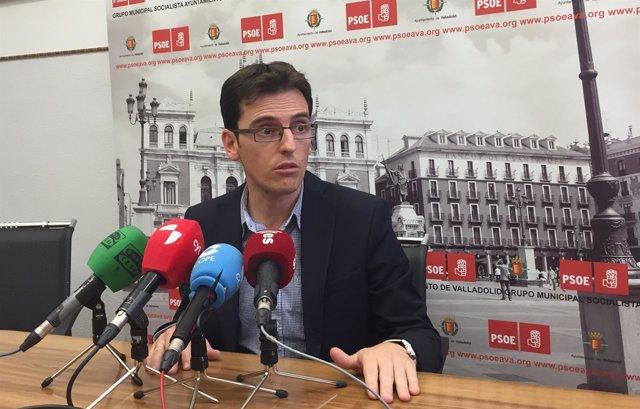 El portavoz del Grupo Municipal Socialista en el Ayuntamiento, Pedro Herrero