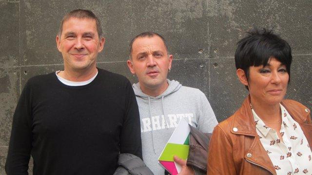Arnaldo Otegi, Maddalen Iriarte y Unai Urruzuno