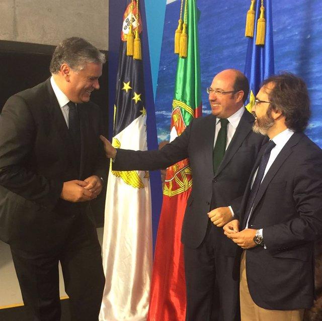 Sánchez y Rivera saludan a Damien Périssé