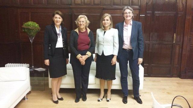 Carmena con la ministra rumana de Exteriores
