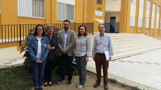 El Ayuntamiento De Málaga Inforrma: EL AYUNTAMIENTO COLOCA TRAMPAS EN EL COLEGIO