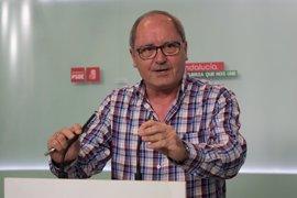 """PSOE pide al PP que respete a Chaves y Griñán, """"que lo han dado todo por Andalucía"""""""