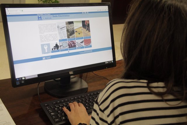 La Diputación de Huelva lanza un plan para implantar administración electrónica