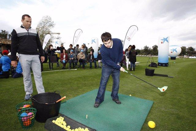 El jugador Sergio García enseña golf a jóvenes con discapacidades intelectuales