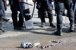Tres policías heridos en una manifestación contra la reforma constitucional de Renzi en Florencia