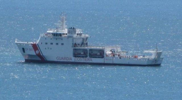 Buque de la Guardia Costera italiana