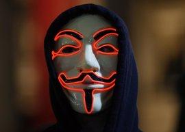 La Policía británica detiene a cerca de 50 personas en una manifestación de 'Anonymous' en Londres
