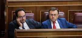 600 euros y salida de la dirección de grupo, probable sanción a los del 'no' a Rajoy