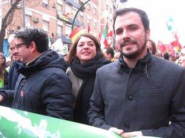 """Garzón llama a la ciudadanía a """"movilizarse"""" en la calle contra las políticas de Rajoy"""