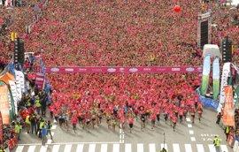 Soler lidera la 'marea rosa' de 29.000 mujeres de la Carrera de la Mujer de Barcelona
