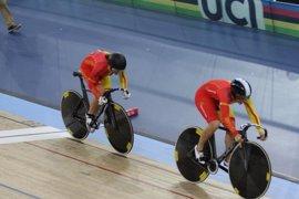 Tania Calvo y Helena Casas, oro en la velocidad por equipos de la Copa del Mundo