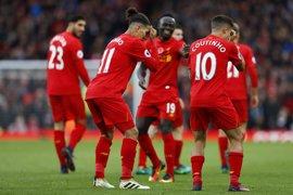 El Liverpool asalta el liderato de la Premier con una goleada de escándalo