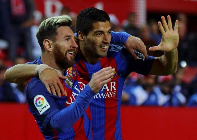 Messi apaga a un Sevilla que brilló a medias