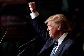 """Trump critica al FBI y dice que """"es imposible revisar 650.000 correos en ocho días"""""""