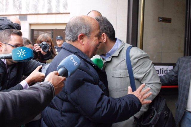 José Torres Hurtado a su llegada a los juzgados