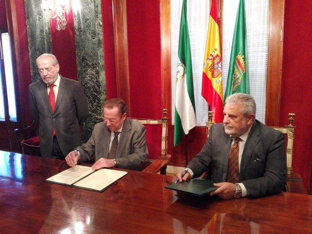 De Llera firma un convenio con Joaquín Durán sobre inmigración