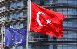 """Turquía admite sus """"frágiles"""" relaciones con la UE"""